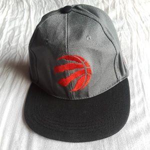 NWOT 🎁NEW! Toronto Raptors Cap